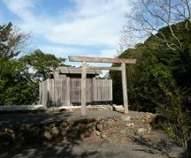 写真2 内宮末社の鏡宮神社(2014年12月10日)
