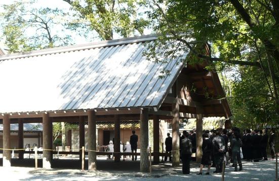 写真1 内宮所管社・御酒殿における御酒殿祭(2015年6月1日)